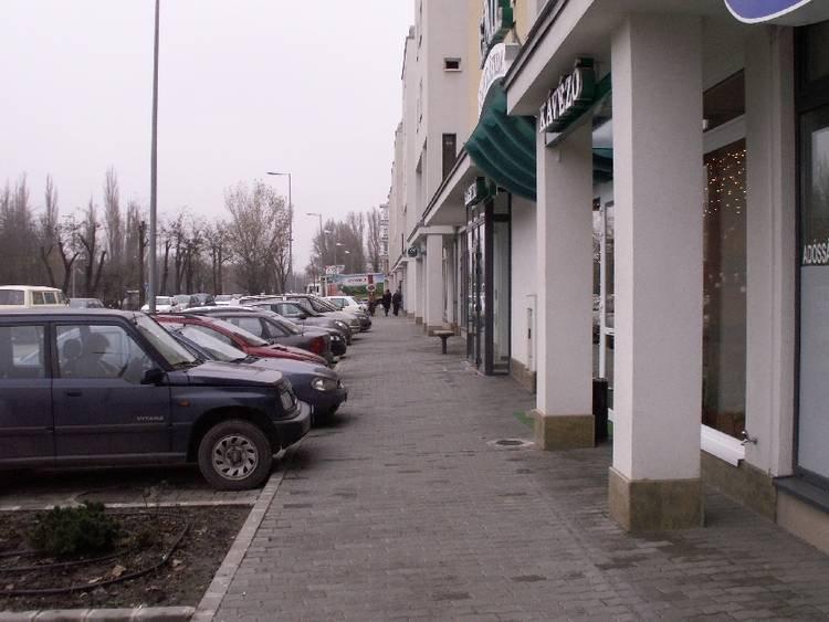kiadó üzlethely, üzlethely kiadó Bécsi úti üzlethelyiség
