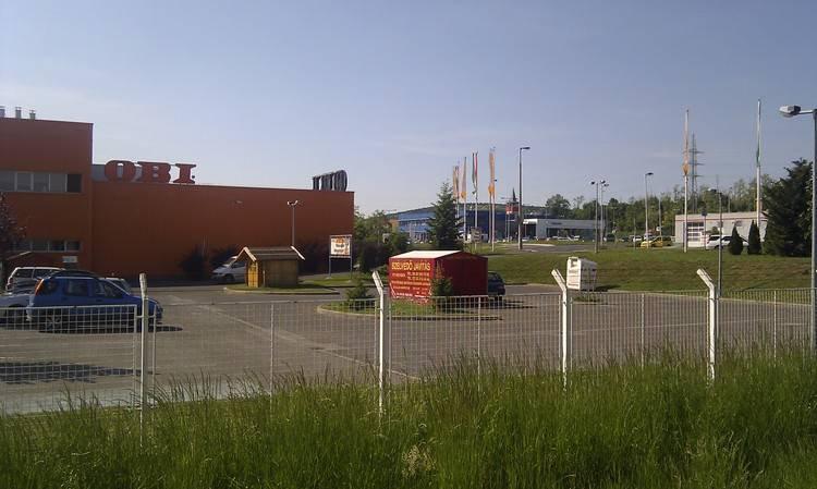 M1 EXPO Kereskedelmi Központ